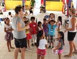 ケアボランティアとベリーズの子供たち