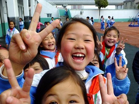 プロジェクトアブロードが活動する中国の学校に通う子供たち