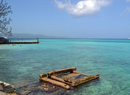 ジャマイカのプロジェクト活動拠点近くの海
