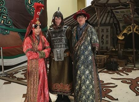 モンゴルの伝統衣装