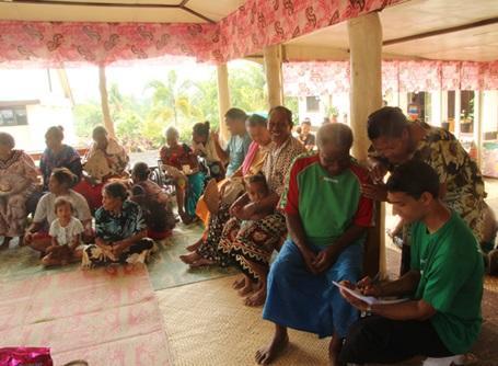医療プロジェクトでサモアの人々の健康調査を行うプロジェクトアブロードの医療インターン