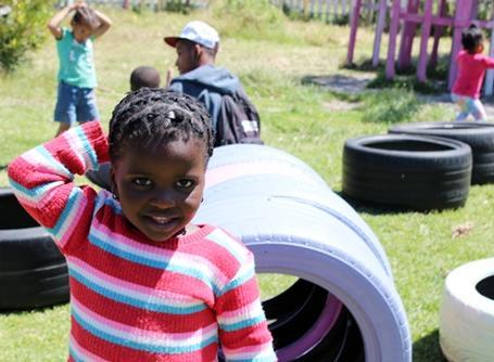 ケープタウンでプロジェクトアブロードが活動するケアセンターの子供