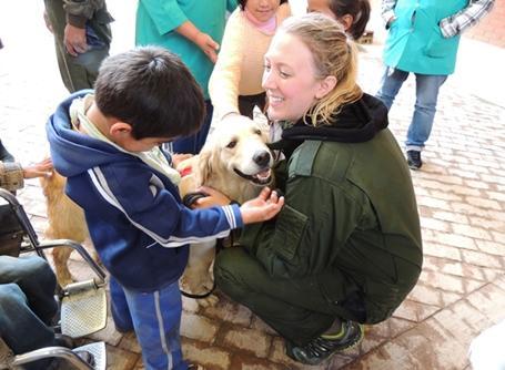 프로젝트어브로드의 볼리비아 동물치료 봉사자