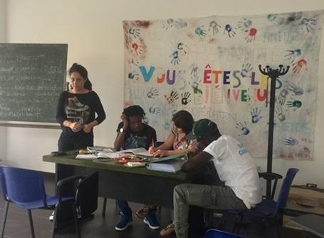 이탈리아 난민 교육
