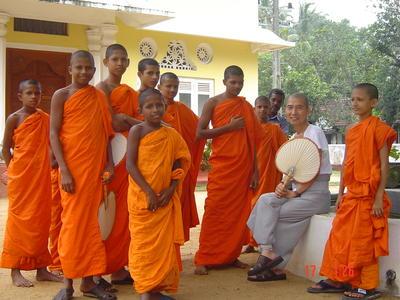 Geef les aan deze monniken in Sri Lanka bij en lesgeefproject van Projects Abroad
