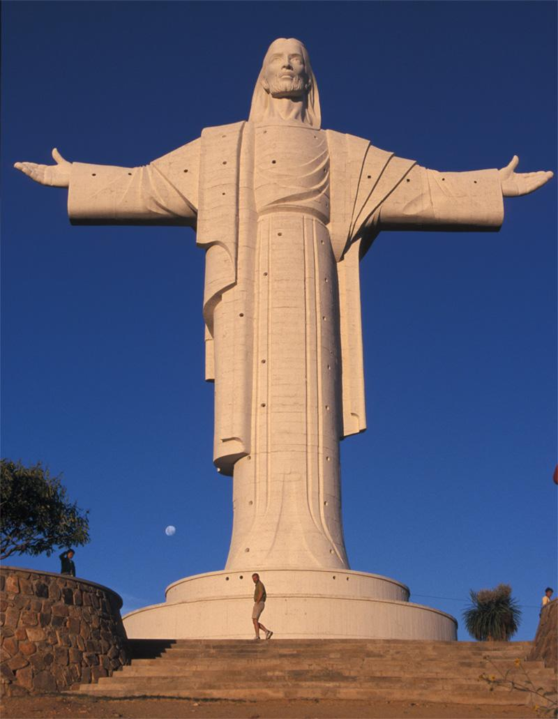 Groot monument in Cochabamba