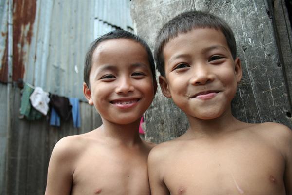 Twee Cambodjaanse jongens