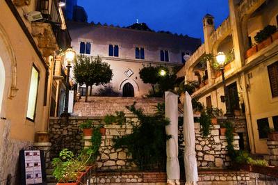 Ontdek naast je vrijwilligerswerk met Projects Abroad onbekende steden zoals Taormina