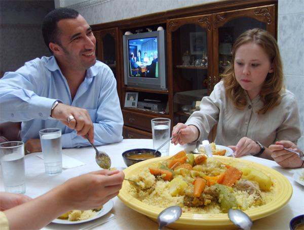 Traditioneel Marokkaans eten bij het gastgezin van een Projects Abroad vrijwilliger