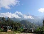 Bergdorpje in Nepal bij natuurbehoud en milieu vrijwilligersproject
