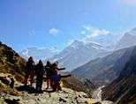 Projects Abroad vrijwilligers maken trektocht in Himalaya