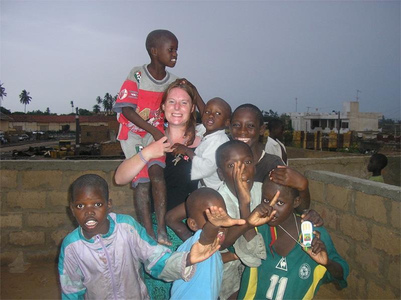 Projects Abroad vrijwilligermet kinderen van haar project