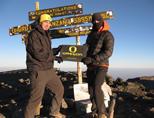 Projects Abroad vrijwilligers beklimmen de Kilimanjaro in Tanzania