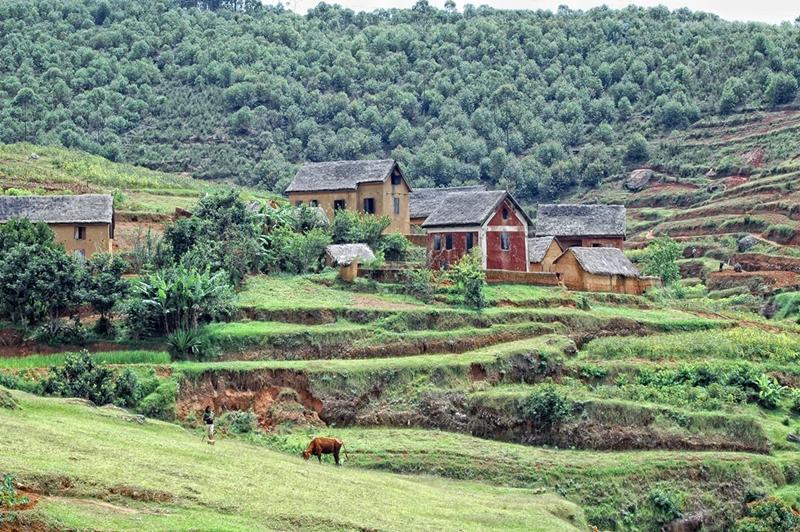 En landsby på landet på Madagaskar