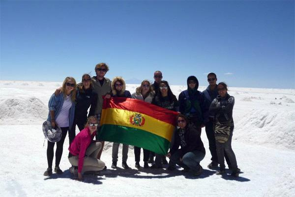 Volunteers at Uyuni