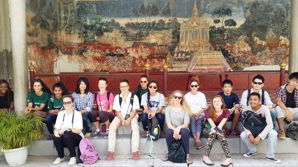 Group photo of high-school volunteers in cambodia