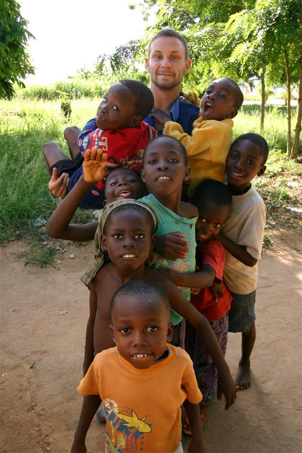 Care volunteer in Ghana