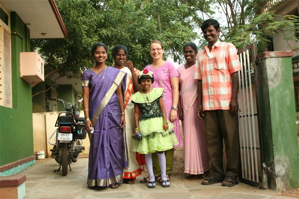 Volunteer in India with host family