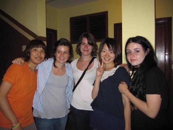 Teen volunteers at host family in Nepal