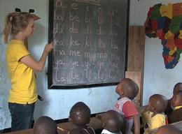 Volunteers on a Teaching Project in Tanzania