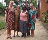 Meine Gastmutter, andere Freiwillige und ich