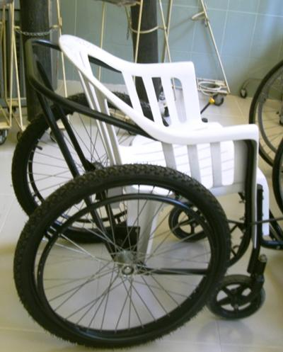 sri-lanka-physiotherapie-rollstuhl