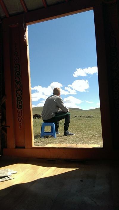 Benedikt im Nomaden-Projekt in der Mongolei