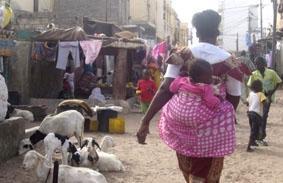 Senegal, Sozialarbeit, Strassenbild