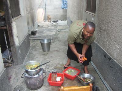 tansania-sozialarbeit-mittagszeit