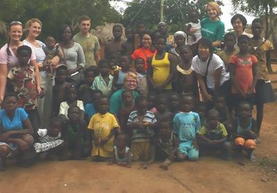 ghana-medizinpraktikum-gruppe