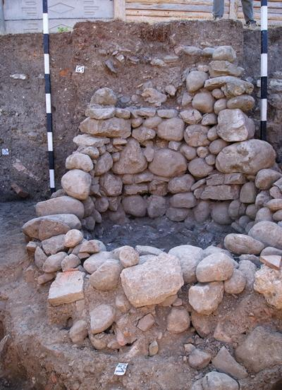 rumanien-archaologie-brunnen