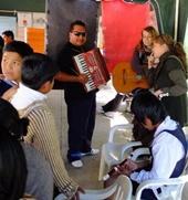 bolivien-sozialarbeit-musik