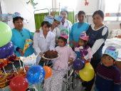 peru-medizin-geburtstag-feiern-im-krankenhaus