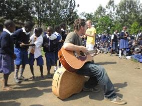 kenia-sozialarbeit-fest