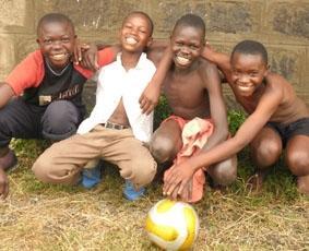kenia-sozialarbeit-fussball