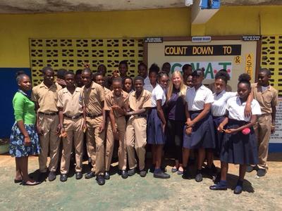 Die Schulklasse einer Freiwilligen in Jamaika