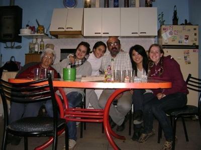 mit meiner Gastfamilie und einer anderen Freiwilligen