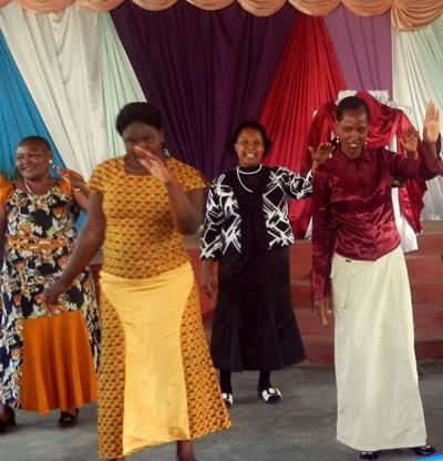 Tansania-Unterrichten-Kirche