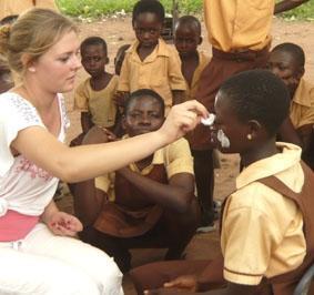 ghana-medizin-schulprojekt