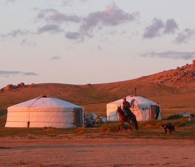 Sonnenuntergang in der Steppe
