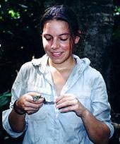 Lisa mit Kaimanbaby