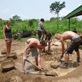 ghana-hausbau-arbeit