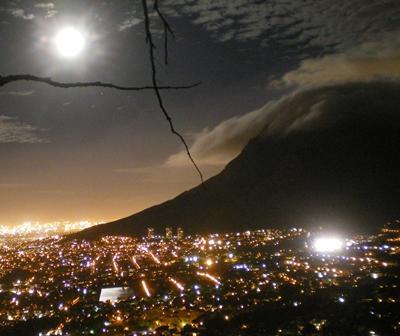 Südafrika Journalismus Kapstadt Nacht