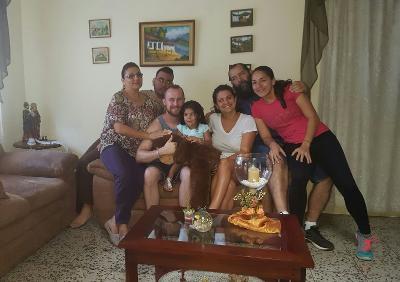 Freiwillige und Familie Costa Rica