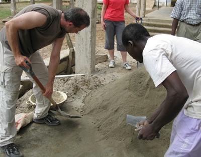 Ghana Community Schaufeln