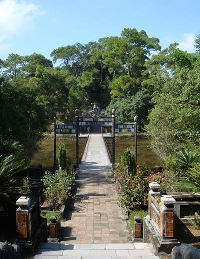 vietnam-wirtschaft-mausoleum