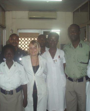 Medizin Praktikum Ghana Arbeitskollegen
