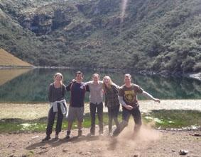 peru-unterrichten-bergsee