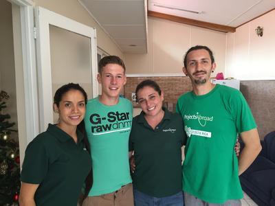 Mitarbeiter von Projects Abroad und ich in Costa Rica