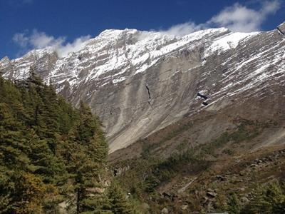 Bjerg og flod i Nepal